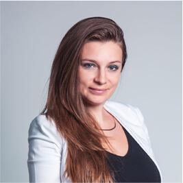 Yana Khnykina